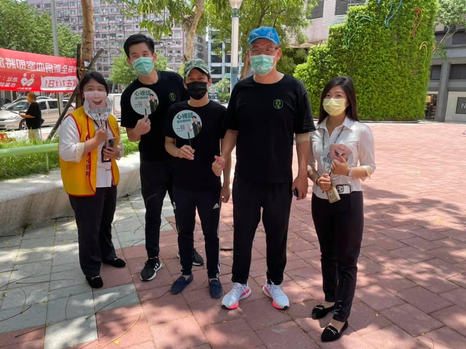 台北東區挺醫護2